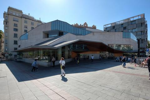 Jaume Fuster Library. Lesseps, Barcelona.